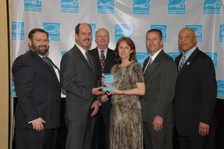 Sunoco group photo with award