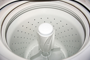 Washer with a central agitator